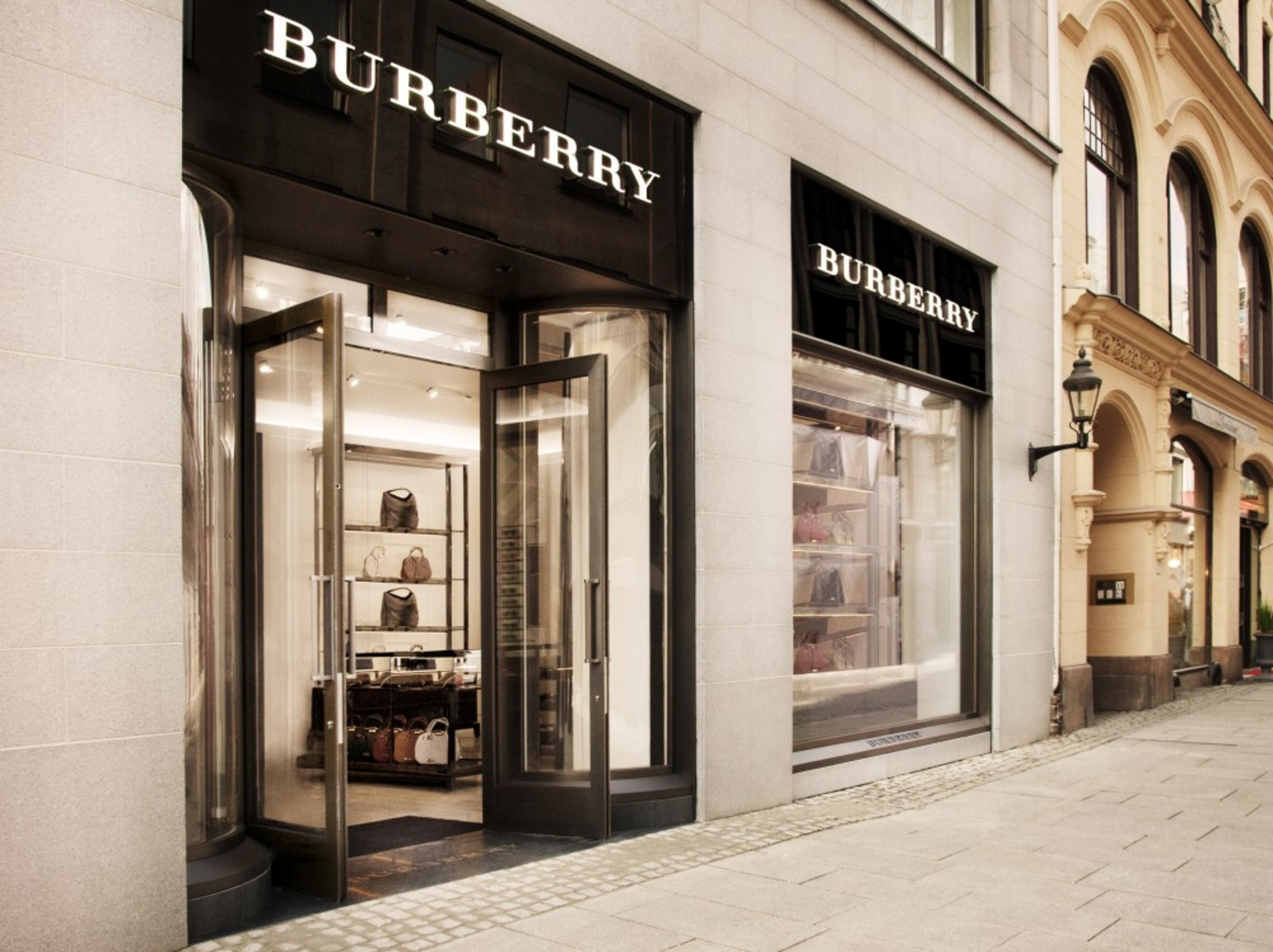 7c1cc1f3476 BURBERRY – Store Opening, Oslo! 2014 STORE IMAGES OSLO CROPPED 02  2014 STORE IMAGES OSLO CROPPED 01 BURBERRY OPENS ITS FIRST STORE ...