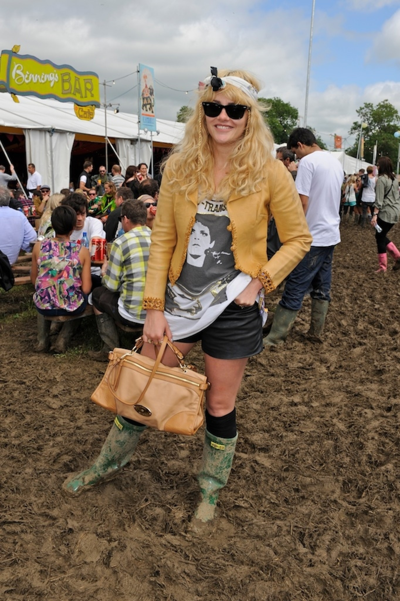 93b339a49c28 Alice Gold with the Taylor Satchel in Deer Brown
