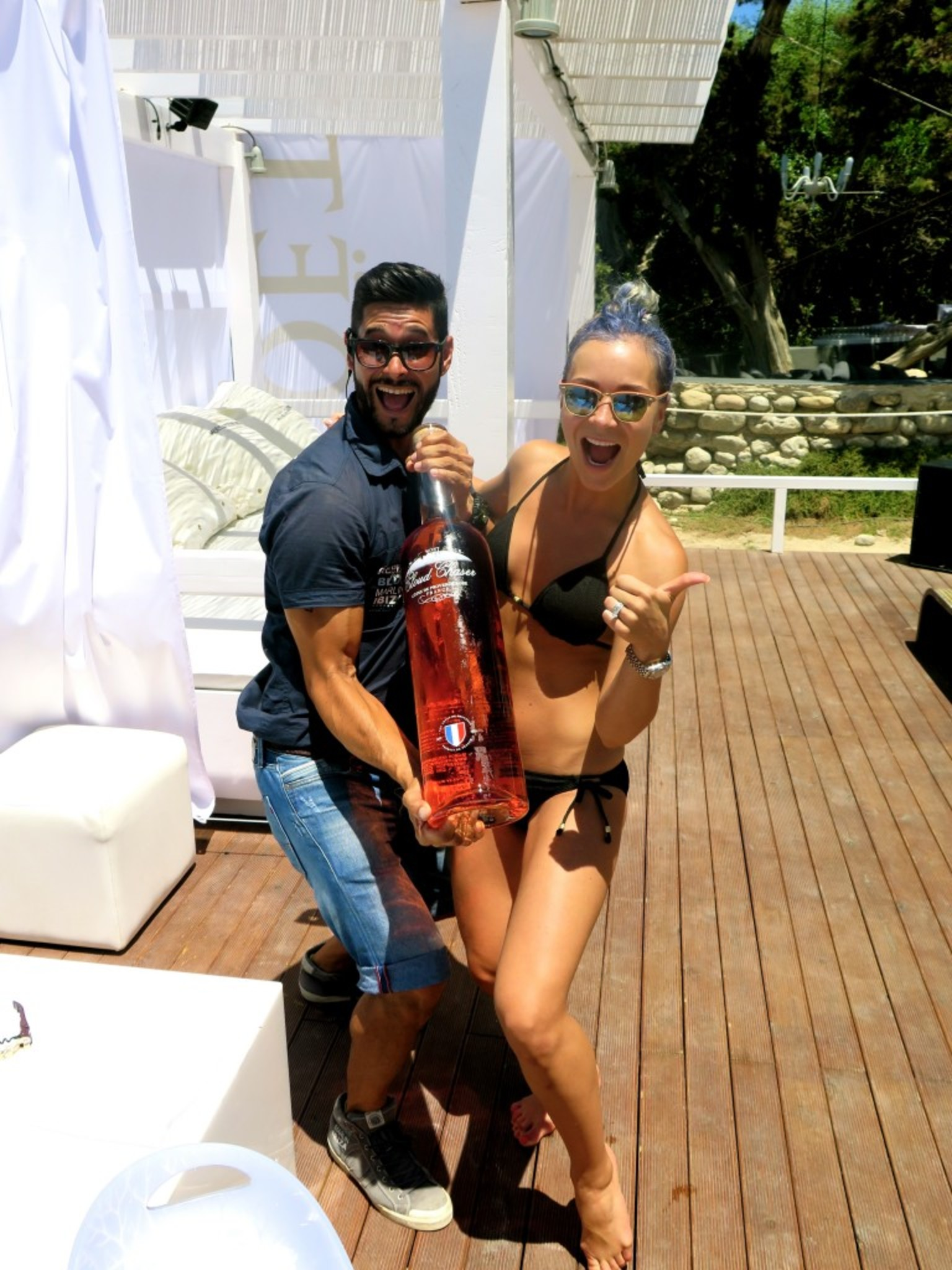 Blue Marlin - MOET CABANA on a sunny Sunday in Ibiza <3 LEGGO! The celebration continues and we all had a blast. Here to start with - we ordered a bottle of Rose, 9l <3