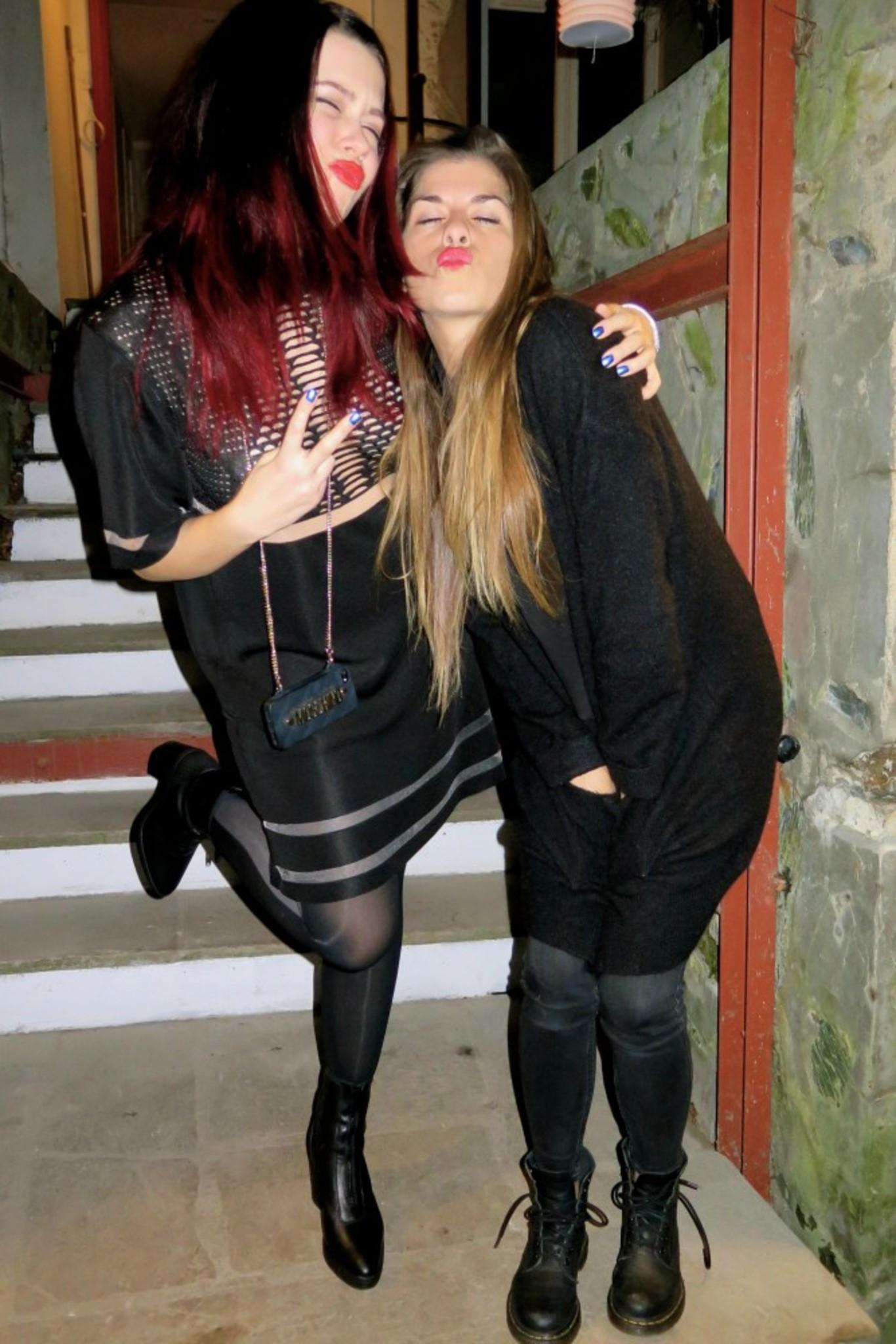 Katinka & Kristin!!! Kissy Lips!