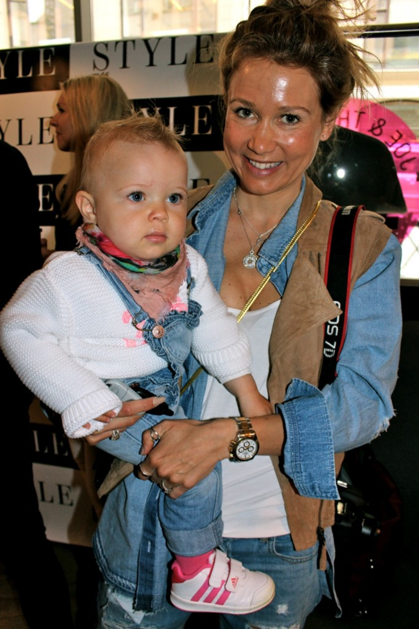 Fashionable Mum & Daughter! Denim Girls <3